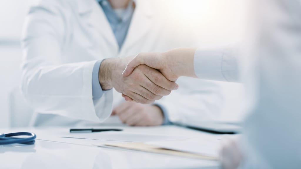 handshake-find-doctor-botox-migraine